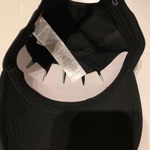 b0e1bd419bf2b Vans Accessories - Vans x Marvel Captain America Shield Hat